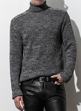 (50% off) RD Tweed turtle-neck sweater