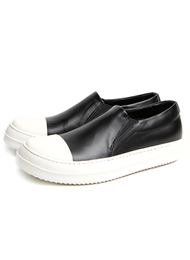 R. Leather slip on for Womens